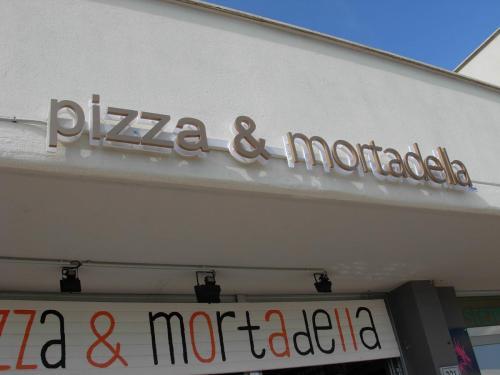pizza & mortadella